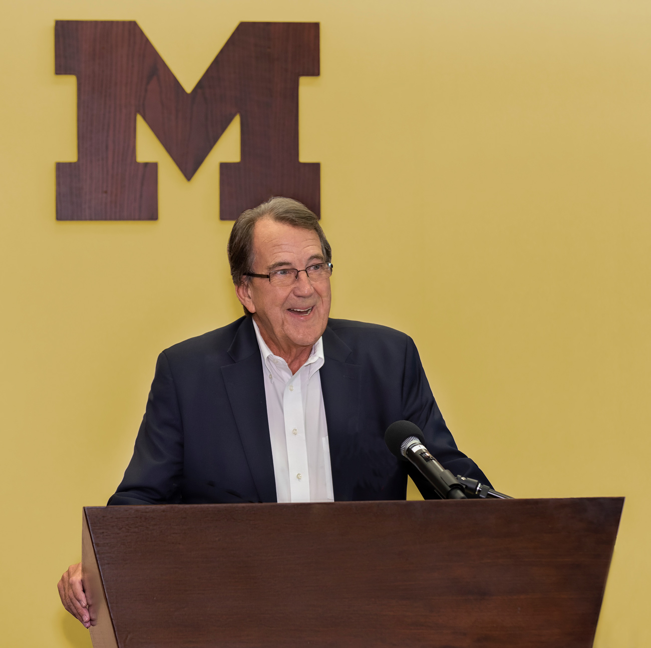 photo at coach Lloyd Carr U of M